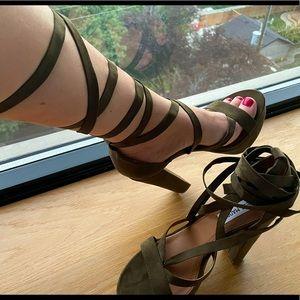 Steve Madden velvet lace up heels, size 8